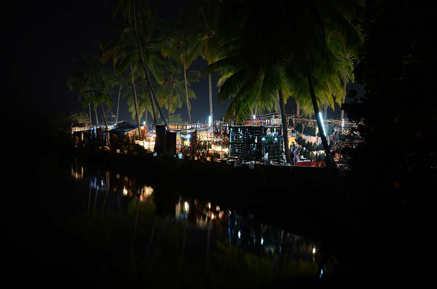 Visit the Saturday Night Market in Goa